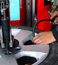 Incorrect air pressure shortens the life of the tyre